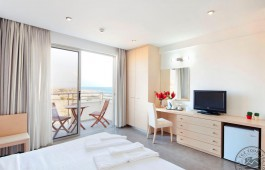 sea_view_room_8179