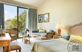 pool_view_guestroom_4147