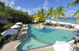 paradise_island_swimming_pool_04_7652