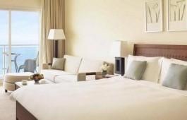 delux_bedroom_9121
