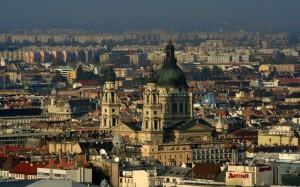 В самом центре Барселоны появились «умные остановки», раздающие интернет