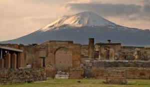 Помпеи будут отреставрированы при помощи обломков, украденных туристами
