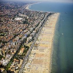 В Римини появился гигантский пляж