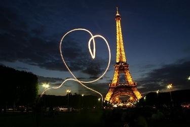 День всех влюблённых в Париже!