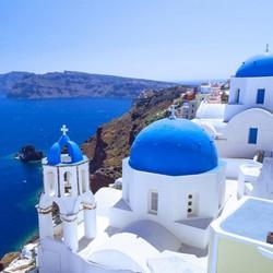 Греческий остров Санторини ограничит количество туристов