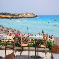 Зажигательный курорт Кипра.